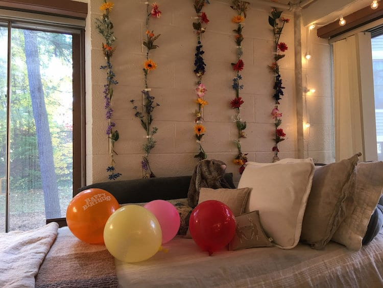 How to Decorate a College Dorm Room - Adorable and Easy!