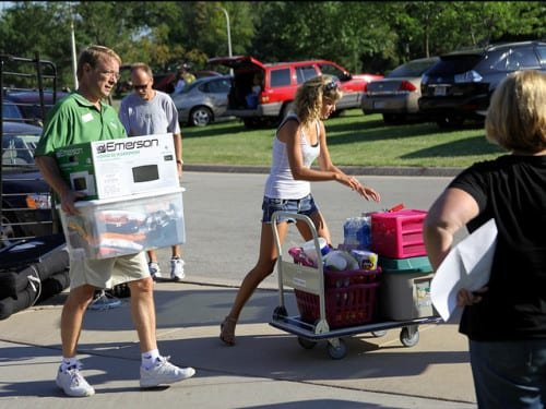 College move in day, UWGB