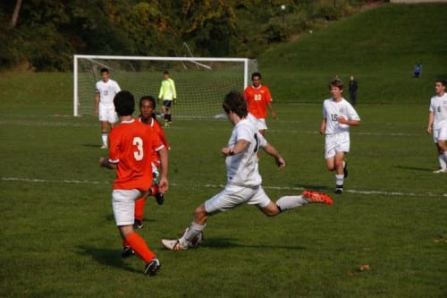 15 Lessons Kids Learn From Sports