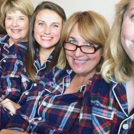 """7 ways a mom suggests her daughter """"repay"""" her before graduation."""
