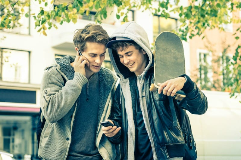 The 4 rules you need to know when texting with your teen