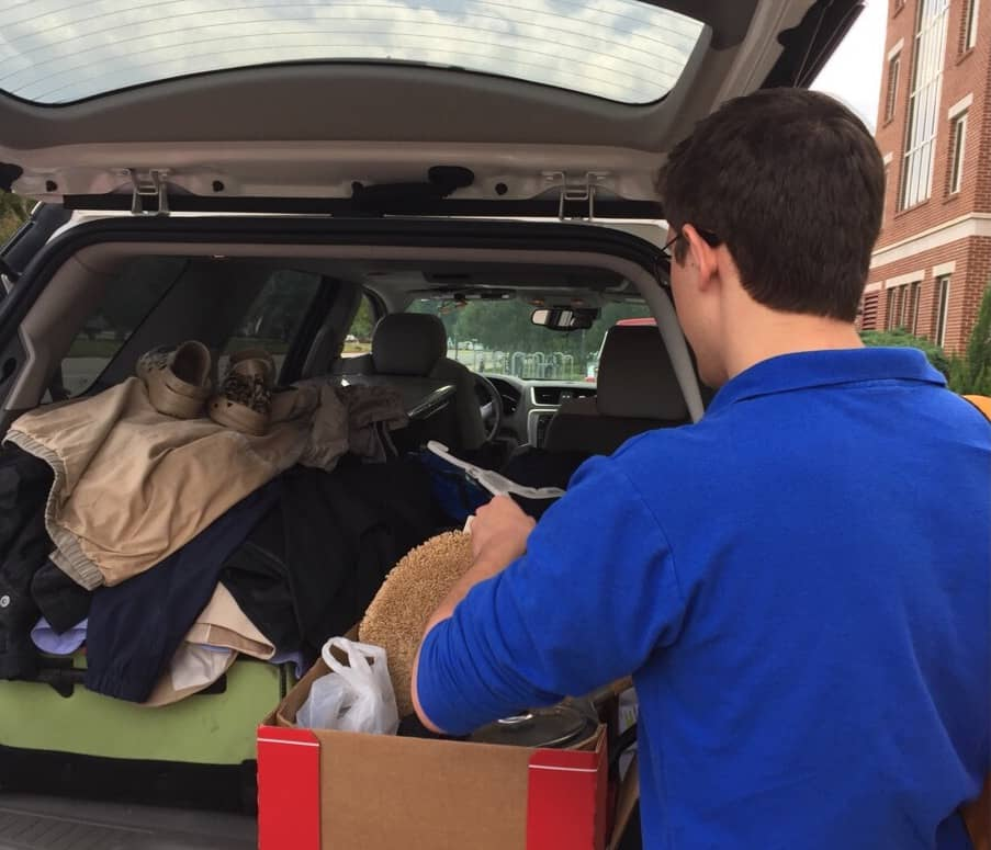 teen moving into college